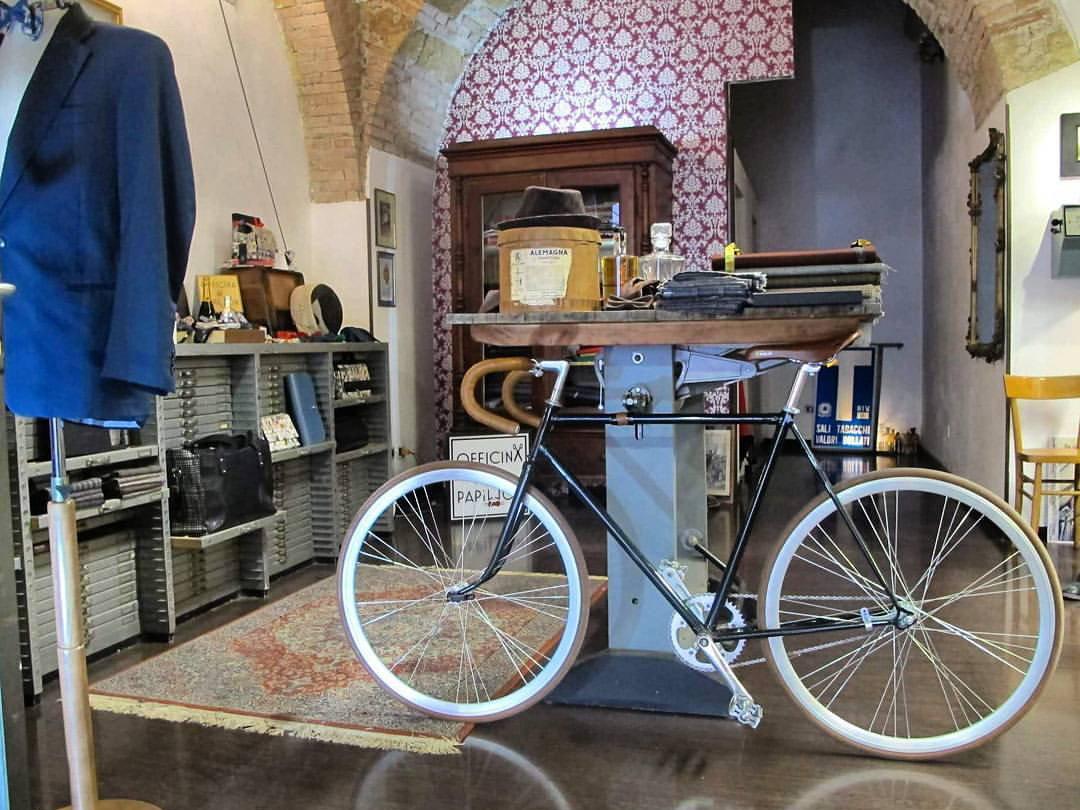 Banderari Terni - boutique abbigliamento uomo donna a Terni abiti e accessori su misura cerimonia matrimonio in Umbria