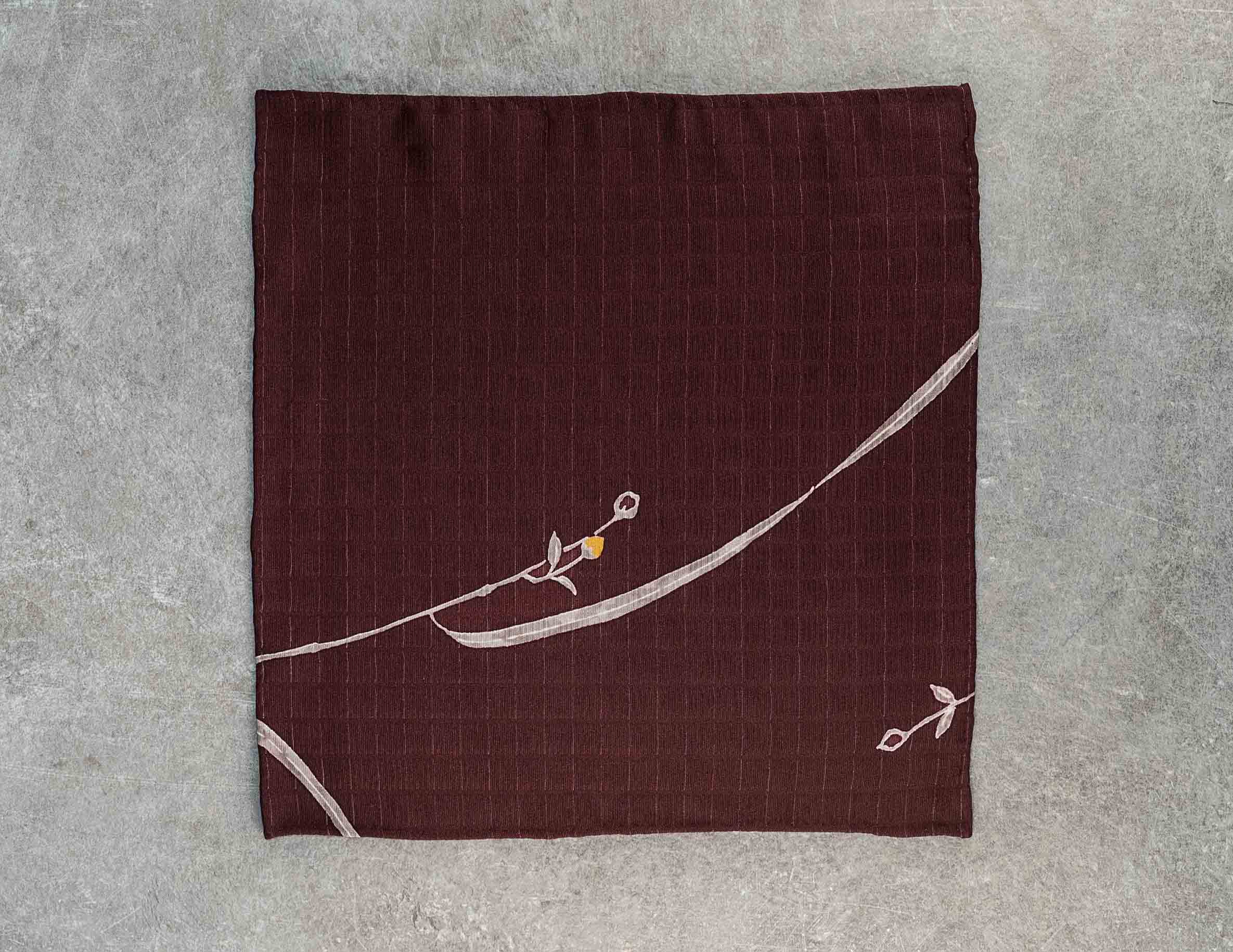 Fazzoletto da taschino in seta giapponese Okotanope fantasia floreale grigio giallo
