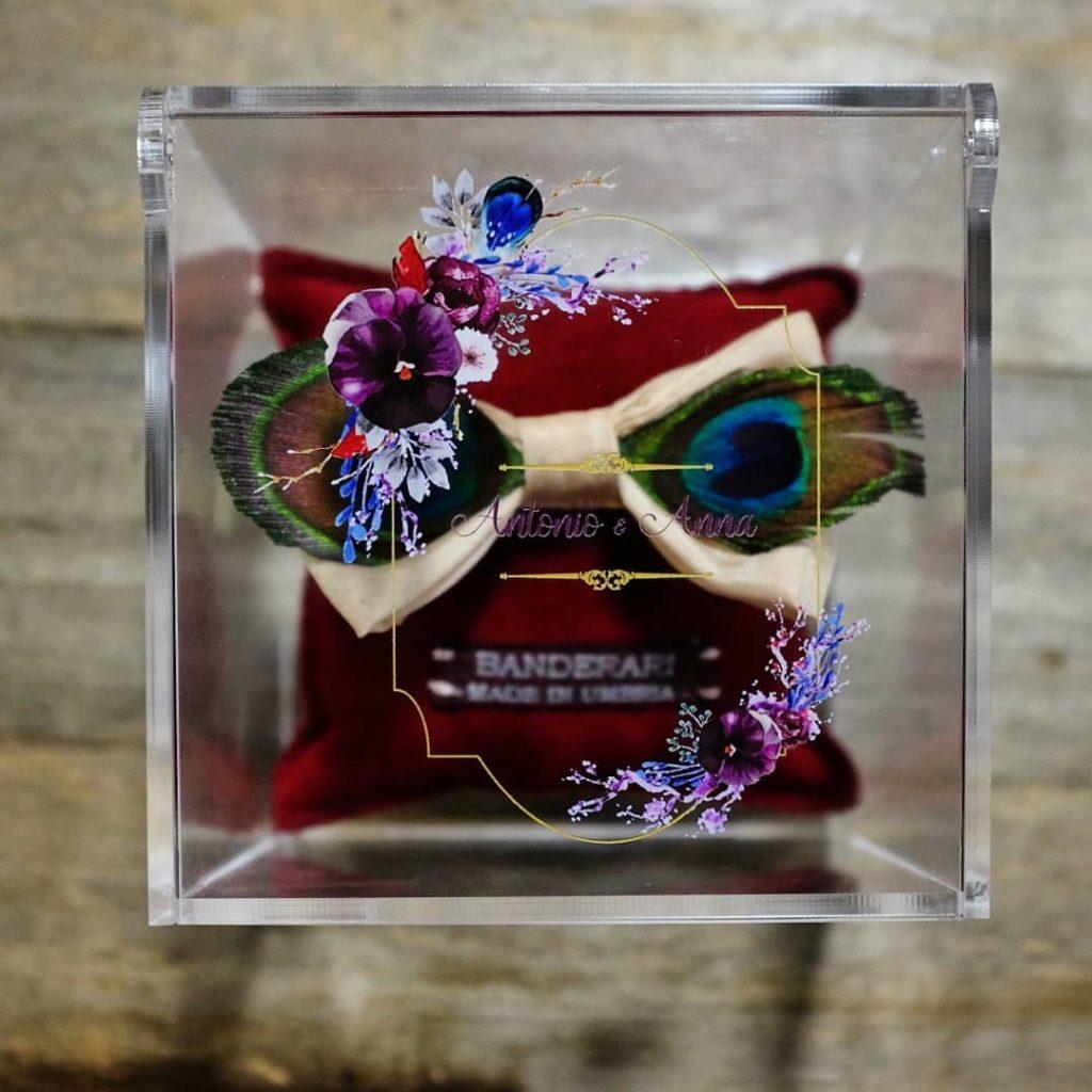 confezione plexiglass con logo matrimonio stampato