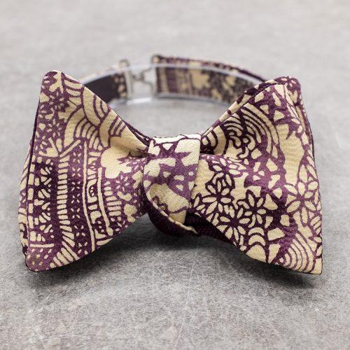 Papillon da uomo sartoriale da annodare - Seta giapponese ricavata da un kimono vintage floreale viola e avorio - Farfallino da cerimonia 100% Made in Italy