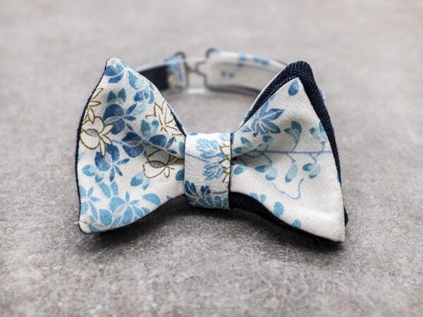Papillon da uomo sartoriale da annodare - Seta giapponese ricavata da un kimono vintage floreale blu - Farfallino da cerimonia 100% Made in Italy e cashmere